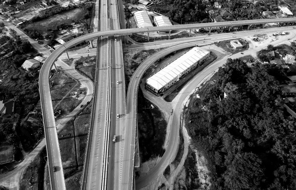 architecture-black-and-white-bridge-1045922