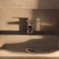 béton ciré ,création d une vasque pour salle de bain